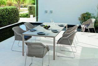 Modern és trendi kerti bútorok a Tectona Grandis két bemutatóterméből