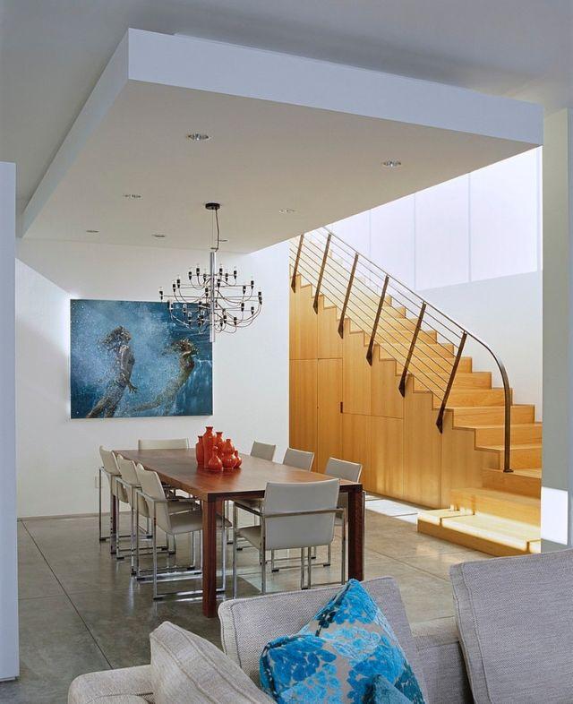 Elegeáns lépcsőbeépítés