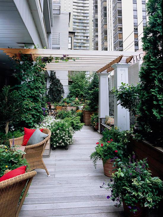 hogyan var zsoljunk z ld o zist a teraszunkra kilenc remek tipp. Black Bedroom Furniture Sets. Home Design Ideas