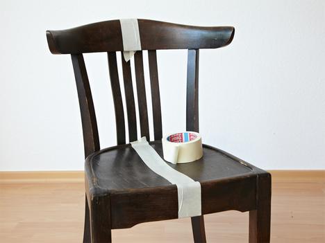 Régi szék fűrészelése
