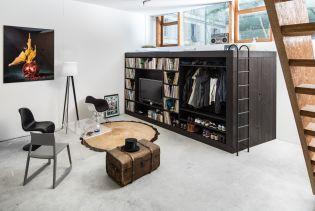 Agglegény lakás praktikus szekrénymegoldással