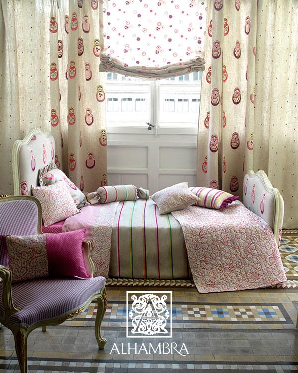 Matrjoska baba mintás textil