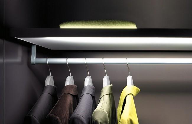 Gardróbszekrény belső világítás