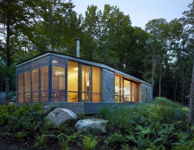 Modern erdei faház Kanadában
