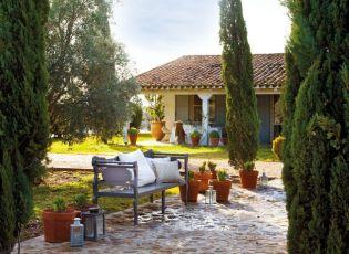 Felújított spanyol mediterrán kertes ház