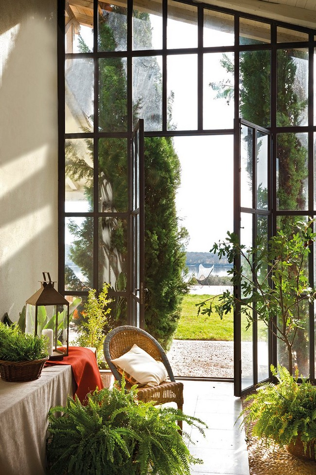 Üvegezett veranda olvasófotellel