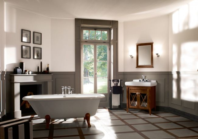 Classical bathroom with fireplace