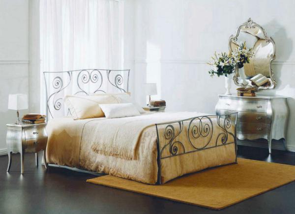 Csigavonalas kovácsoltvas ágy