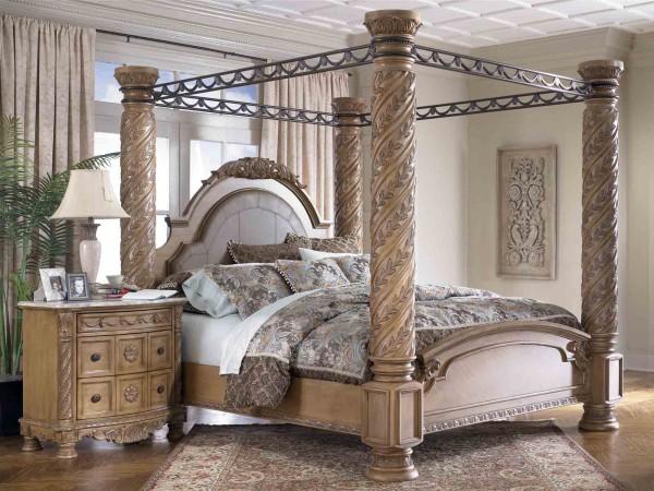 Reneszánsz stílusú ágy kovácsoltvas kerettel