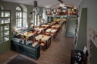 Egy budapesti étterem újjászületése - Tervező: Szakos Andrea lakberendező