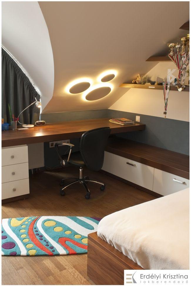 Design lámpa tetőtéri gyerekszobában