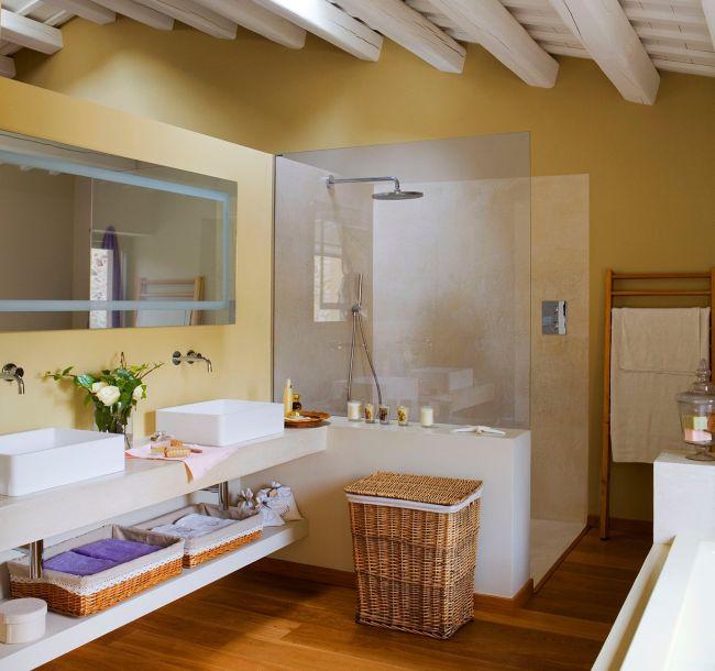 Modern mediterrán fürdőszoba alaprajzzal