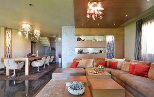Nagy Rita lakberendező - Balatoni ház felújított modern belső terekkel