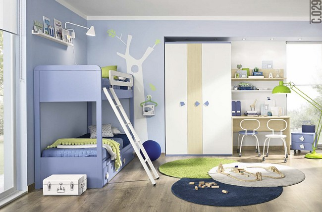 Létrás emeletes ágy megoldás hagyományos formájú