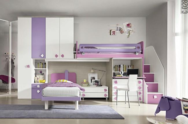 Lila és fehér kombinált emeletes ágy és gyerekszobai szekrény kombináció