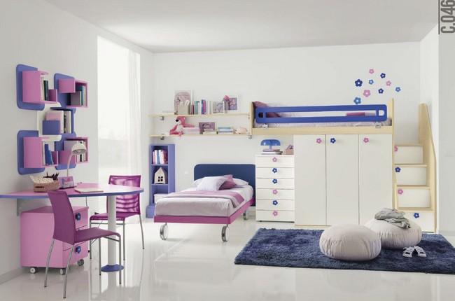 Lányszoba gyerekbútor gurulós ággyal és emeletes ágy