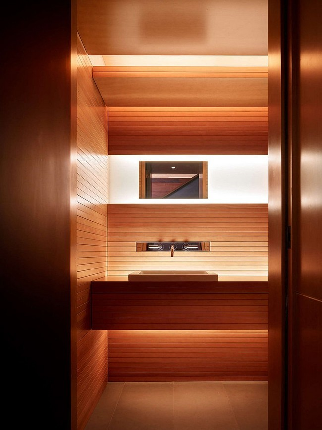Minimál fürdőszoba rejtett világítással