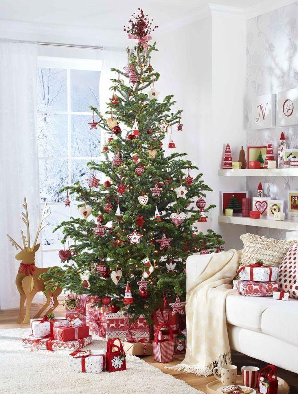 Klasszikus vidéki stílusú karácsonyfa