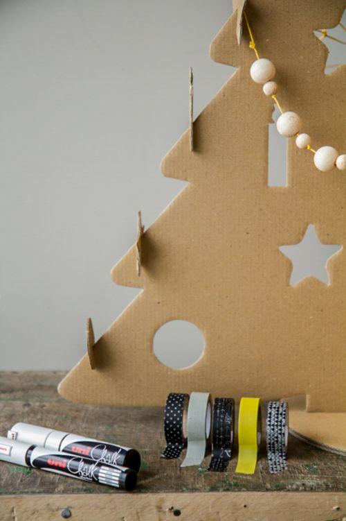 Feldíszíthető kartonpapír karácsonyfa