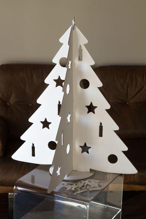 Asztali fehér karácsonyfa ötlet