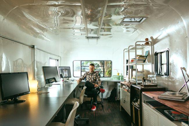 Jay Ferracane utazó design studio