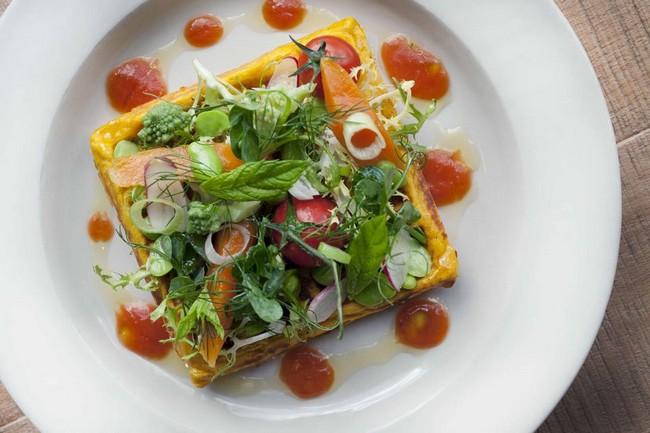 Szendvics költemény salátával
