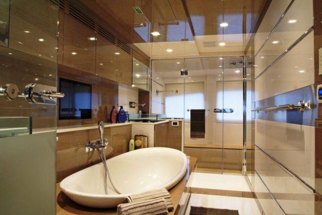 Bilgin jacht szuper luxus fürdőszobája