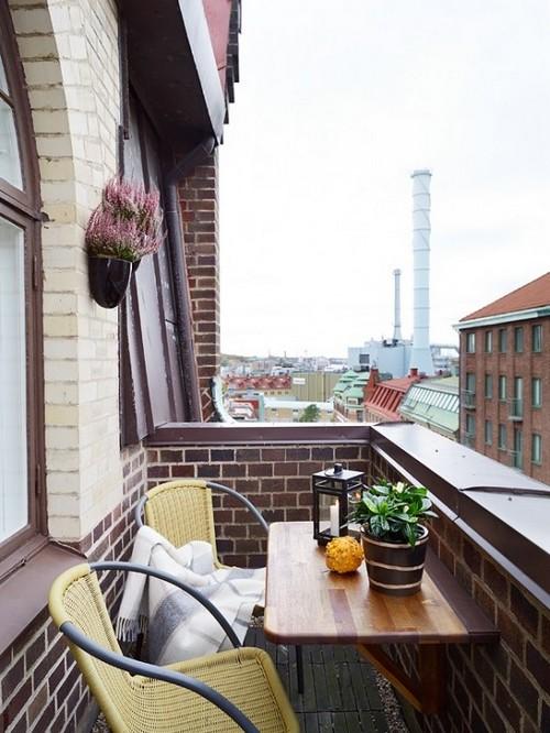 Mini erkély kis asztal erkélyre