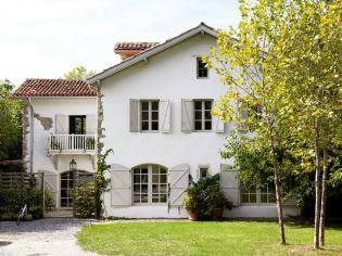 Megújult belső terek és lakberendezés egy bájos vidéki francia házban
