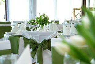 Virágdekoráció esküvőn