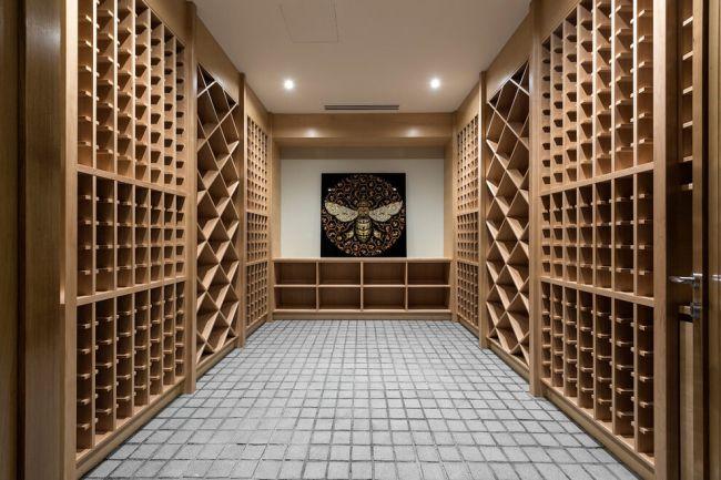 Otthoni bortárolás egyedi szekrényekben