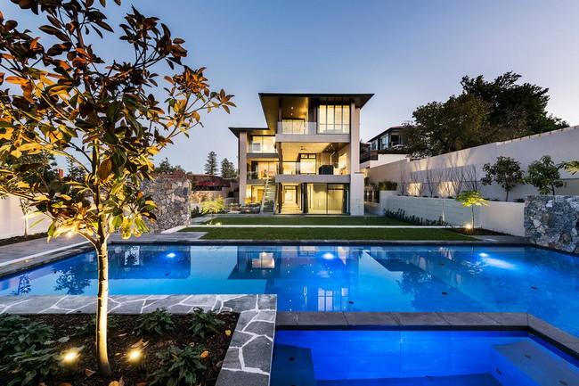 Modern ausztrál ház medencével