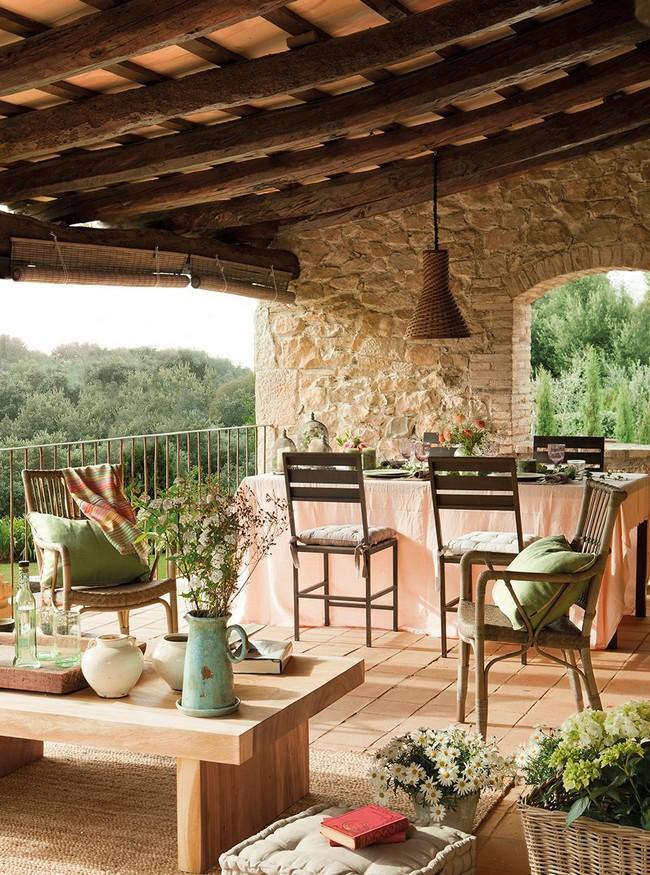 Öreg katalán ház rusztikus veranda