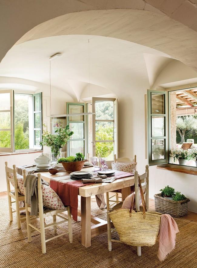 Mediterrán étkező olajbogyó zöld ablakkeret