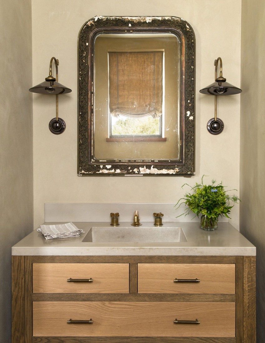 Réies, rusztikus fürdőszoba részlet