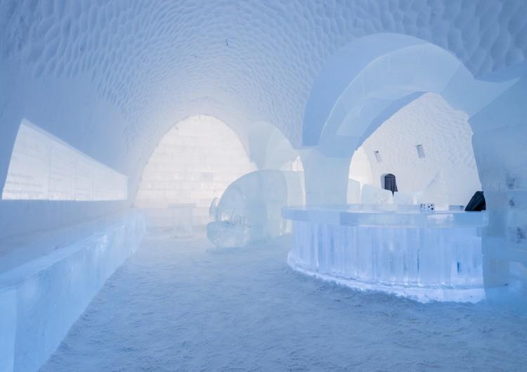 Bárpult a jéghotelben