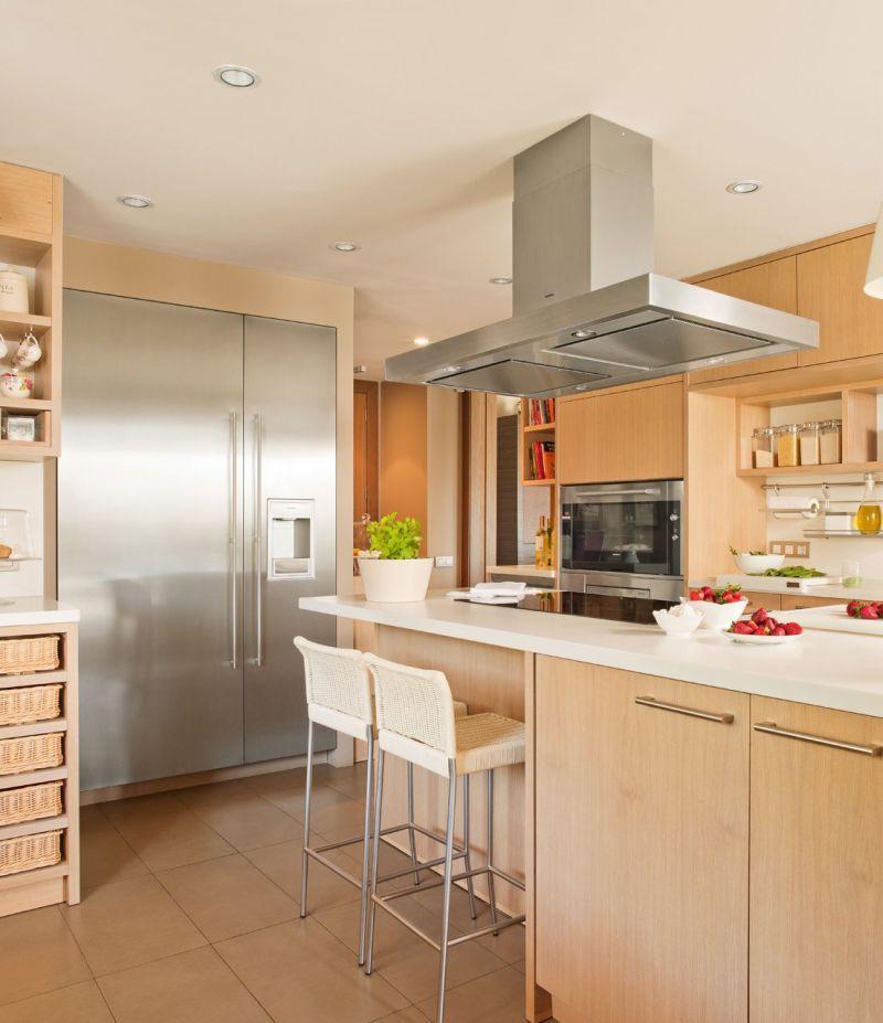 Modern otthonos meleg konyhabútor szín