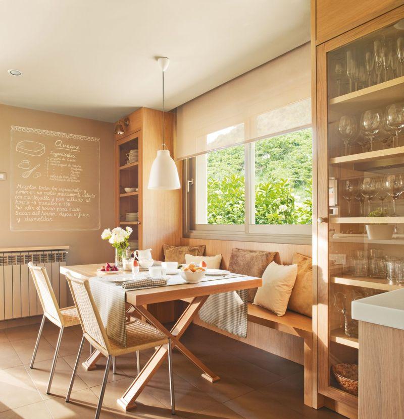Konyhabútorral együtt tervezett egyedi étkező és étkezőpad