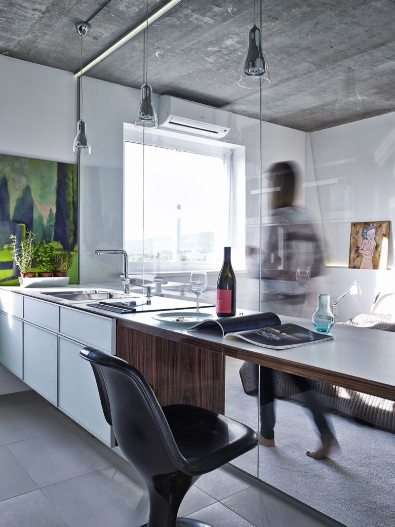 Konyha és hálószoba panellakás modern lakberendezéssel