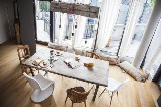 Ipari és vintage lakberendezés és lakásdekoráció egy frissen elkészült budapesti lakásban