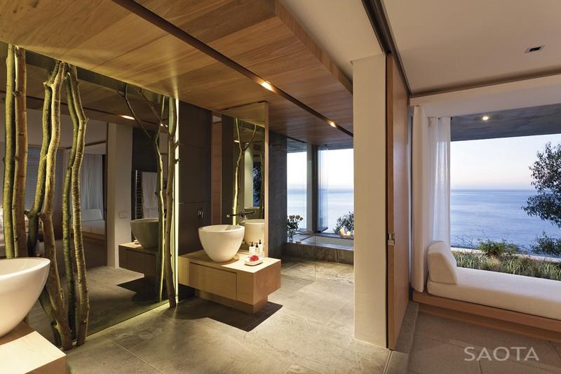 Minimál fürdőszoba mosdótállal tükrökkel