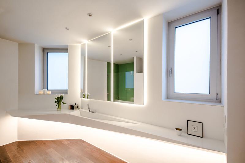 Egyedi tervezésű corian mosdó