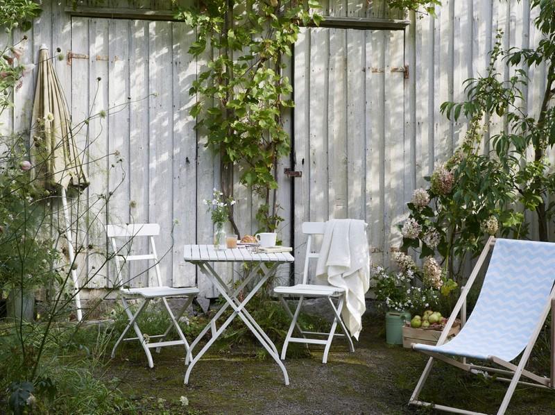 Összecsukható kerti szék és asztal