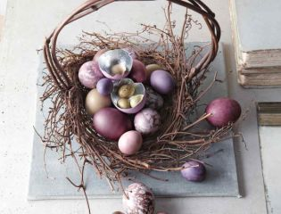 Húsvéti dekoráció és tojás kosárban - Martha Stewart műhelyéből