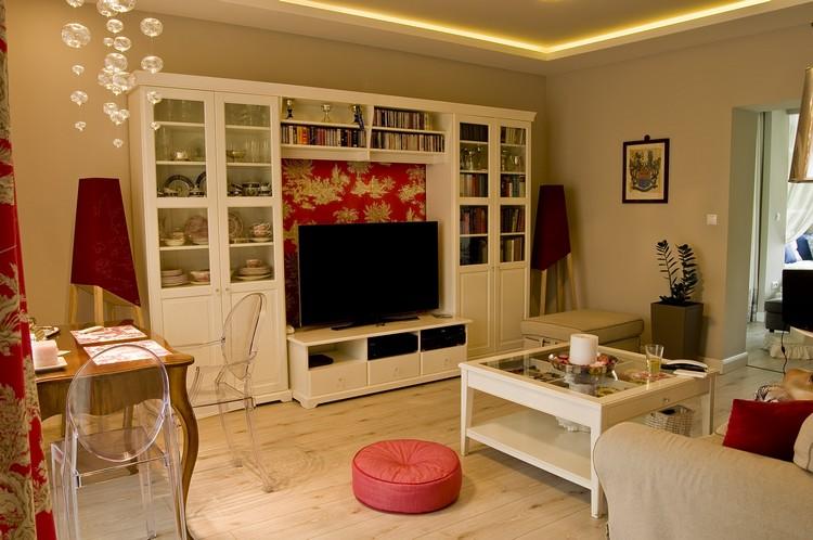 Erdélyi Krisztina lakberendező fehér nappali szekrény