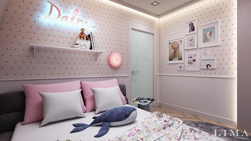 Pöttyös tapéta ágy kép dekorációval gyerekszoba