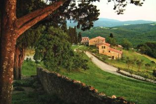Rusztikus villa és mediterrán lakberendezés Toszkána lejtőin