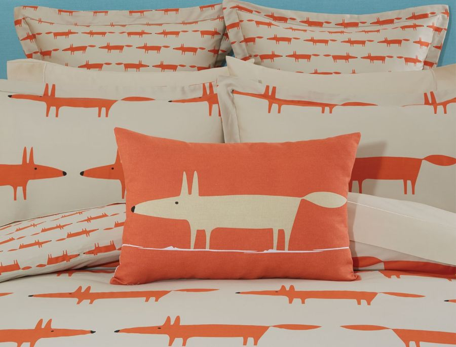 Scion Mr. Fox párnára nyomva narancssárga