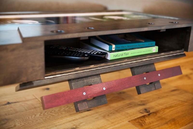 Szalagos retró kazetta kávézóasztal ötlet