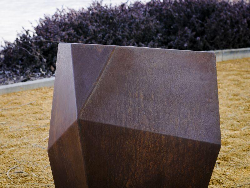 Egyedi corten acél kerti kaspó